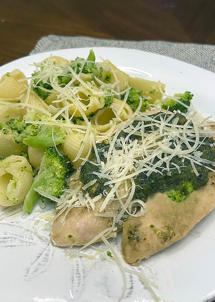 Chicken and Broccoli Pesto Pasta - #MakeItGAP Recipe