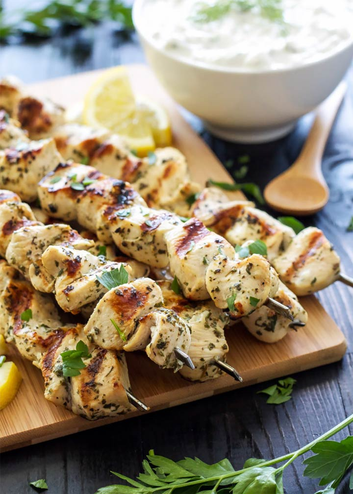 GREEK LEMON CHICKEN SKEWERS WITH TZATZIKI SAUCE - #MakeItGAP Recipe